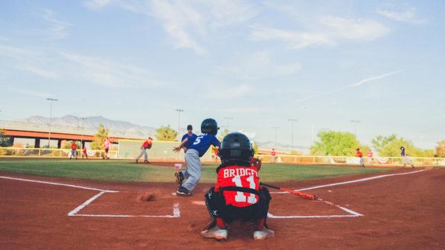 ダンボール工作・野球