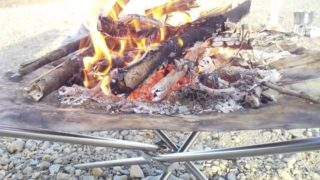 焚き火 メッシュ台